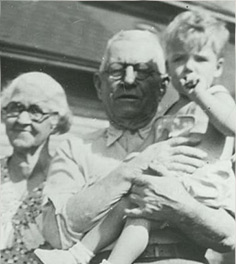 Clarke With Great Grandparents